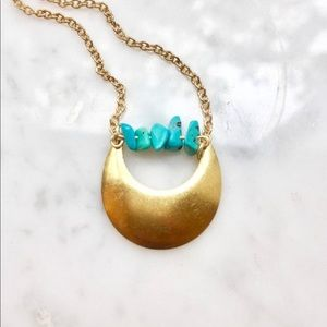 Jewelry - Gold Crescent Moon Necklace w Turquoise Beads